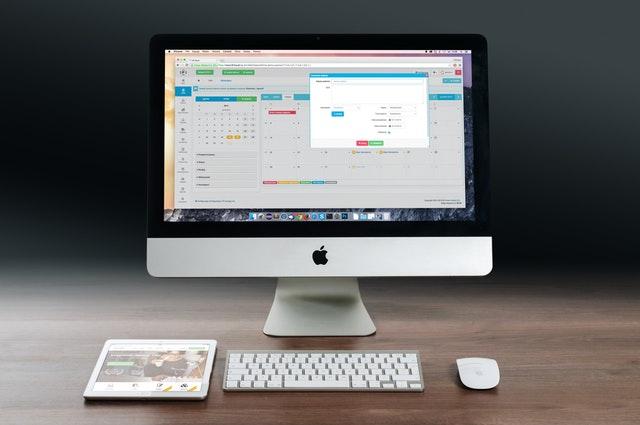 apple-imac-ipad-workplace